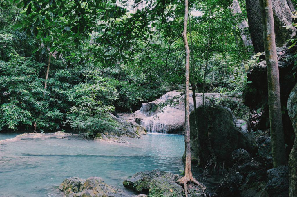 lago nel parco erawan